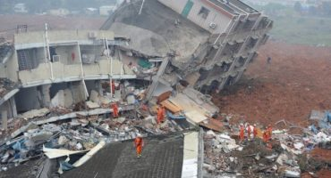 Deslizamiento de tierra al sur de China causa la desaparición de al menos 59 personas