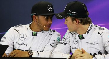 En Mercedes están hartos de Hamilton y Rosberg