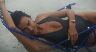 Irina Shayk posa para el calendario de adviento de 'Love Magazine'