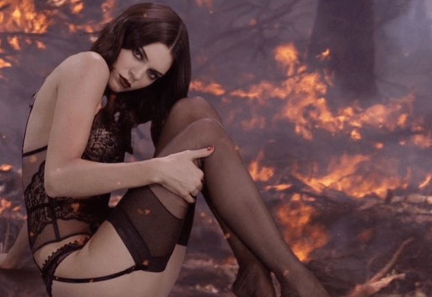 Kendall Jenner 'on fire' en el calendario de Love Magazine