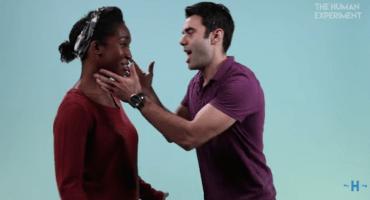 Esta es la reacción de mujeres lesbianas al besar a un hombre por primera vez