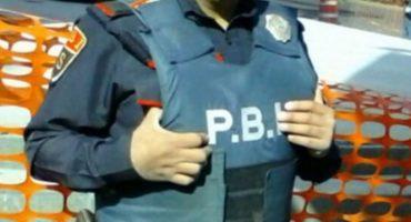 Policía devuelve 42 mil pesos que encontró en estacionamiento
