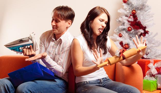 Guía para reciclar los regalos navideños que nadie quiere, pero todos reciben