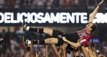 Rogerio Ceni le dice adiós al futbol en medio de un gran homenaje