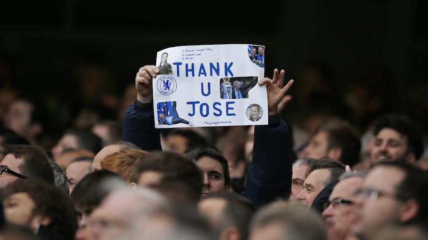 Así se vivió el ambiente en Stamford Bridge luego del cese de Mourinho