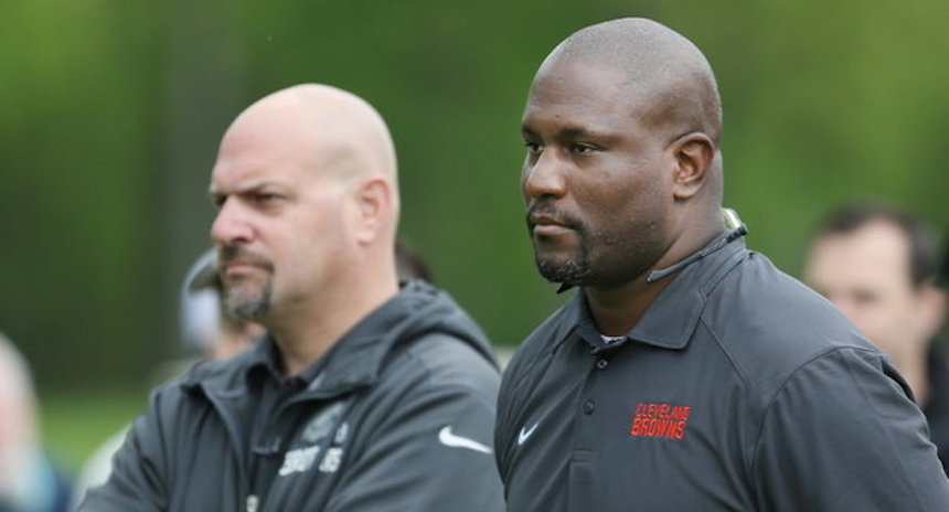 Mike Pettine y Ray Famer son despedidos de los Browns