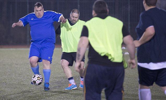 ¡Por fin! Crean liga de futbol exclusivamente para gordos