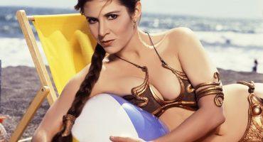 Aquí la sesión fotográfica de la princesa Leia en la playa que arrasó en internet