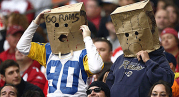 Los fans en St. Louis demandaron a los Rams