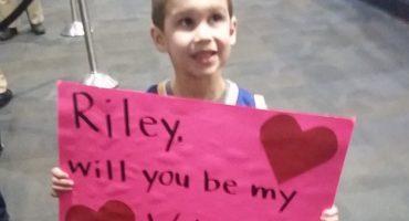 Pequeño le pide a la hija de Stephen Curry ser su San Valentín