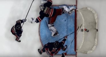 Portero de hockey imita el escorpión de René Higuita