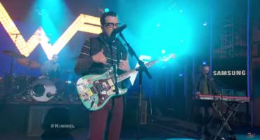 Ve las presentaciones en vivo de Weezer y Purity Ring