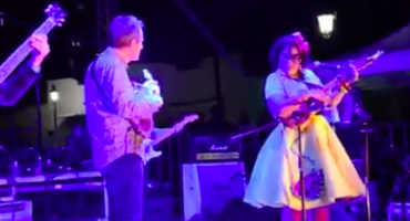 John Paul Jones, ex de Led Zeppelin, toca son jarocho en festival de Baja California