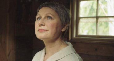 Elizabeth Fraser, de Cocteau Twins, regresa con música nueva después de 20 años
