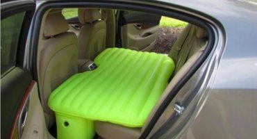 Invento del siglo: Colchón inflable exclusivo para la parte trasera de un automóvil