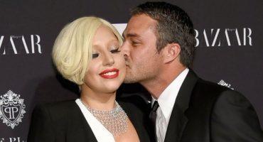 Lady Gaga posa desnuda junto a su novio para la revista 'V'