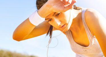 Sudar de manera excesiva puede ser un síntoma de alguna enfermedad