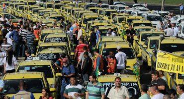 Taxistas tendrán prohibido vestirse fodongos y hablar sobre fútbol... en Brasil
