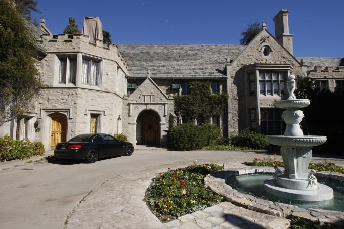 ¡La mansión Playboy está a la venta!