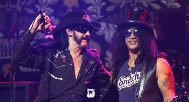 Ve el homenaje que Slash hizo a Lemmy Kilmister