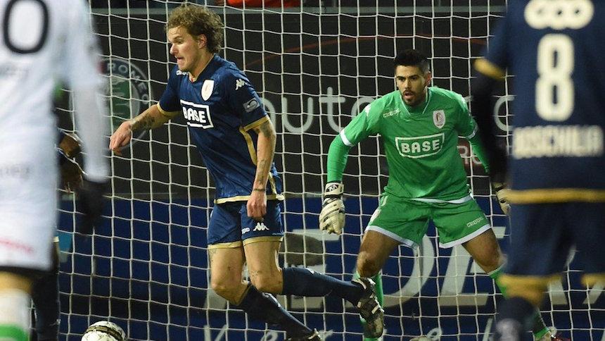 Así fue el debut de Victor Valdés con el Standard Lieja