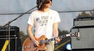 The Strokes no descansarán hasta encontrar la guitarra de Nick Valensi