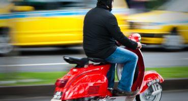 WTF!? Prohiben el uso de las motocicletas Vespa en su ciudad de origen