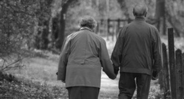 Pareja se reencuentra después de 70 años y recuerdan su amor durante la guerra