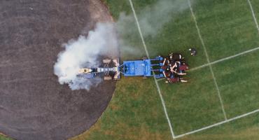 El scrum del siglo: el Red Bull de la Fórmula Uno vs jugadores de rugby