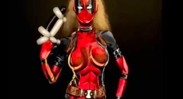 ¡Miren el épico bodypaint que una chica se hizo de Lady Deadpool!