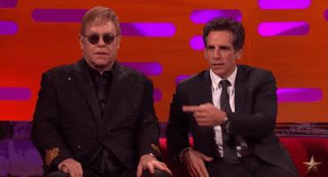 Ben Stiller le enseña a Elton John como hacer su famosa pose