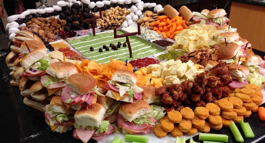 la-dd-super-bowl-2015-build-your-own-food-football-stadium-20150126