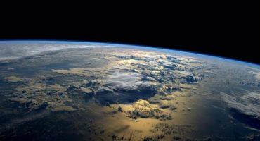 Un vistazo a la Tierra desde la Estación Espacial Internacional en un gif