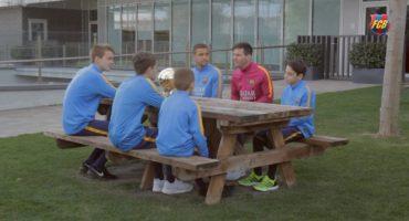 Niños de La Masía entrevistan a Lionel Messi