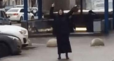 En Moscú, mujer caminaba con la cabeza decapitada de una niña en la mano