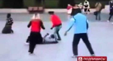#EpicFail Molestan a una señora; su esposo es karateka y reciben paliza