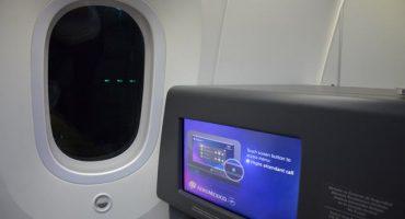 ¿Por qué las persianas de las ventanas de los aviones deben de permanecer abiertas durante el despegue?