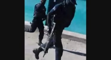 Sinaloa: policías huyen corriendo de sicarios, permiten ejecución