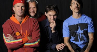 Mira un cover de los Red Hot Chilli Peppers a 'Cracked Actor' de David Bowie