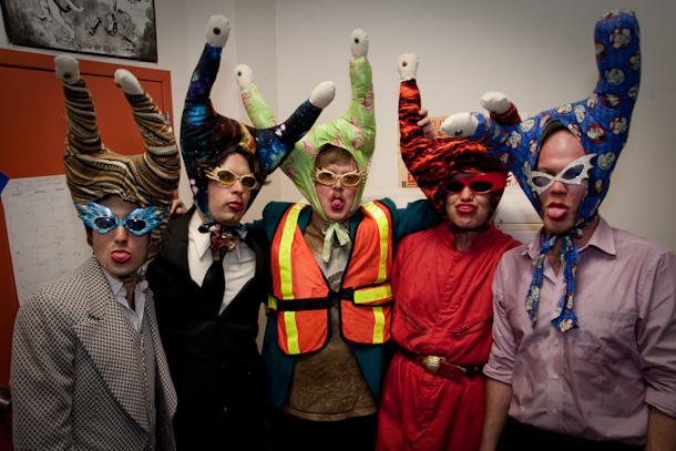Escucha el álbum debut de The Snails, banda alterna de Future Islands