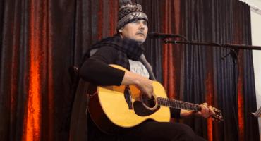 Video: Billy Corgan toca una nueva canción de The Smashing Pumpkins