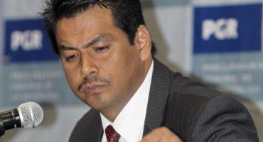 Ex de la SIEDO pide 33 mdp a PGR, por daño moral... no tuvo escolta ni auto blindado