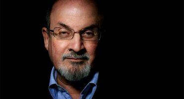 ¿Por qué Irán ofrece una recompensa para matar a Salman Rushdie?