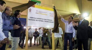 Construido con dinero del fondo para combatir la pobreza, Oaxaca estrena estadio