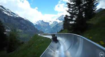 La mejor forma de recorrer los Alpes: En tobogán