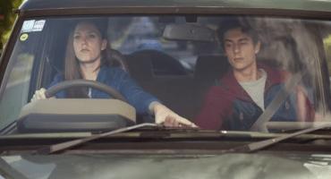 Tienen que ver esta excelente campaña que llama a no textear mientras conducen