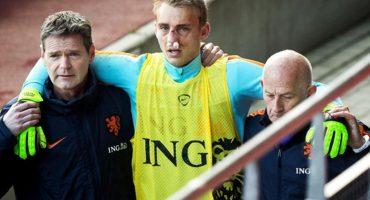 Huntelaar le rompe la nariz a Cillessen durante entrenamiento de Holanda