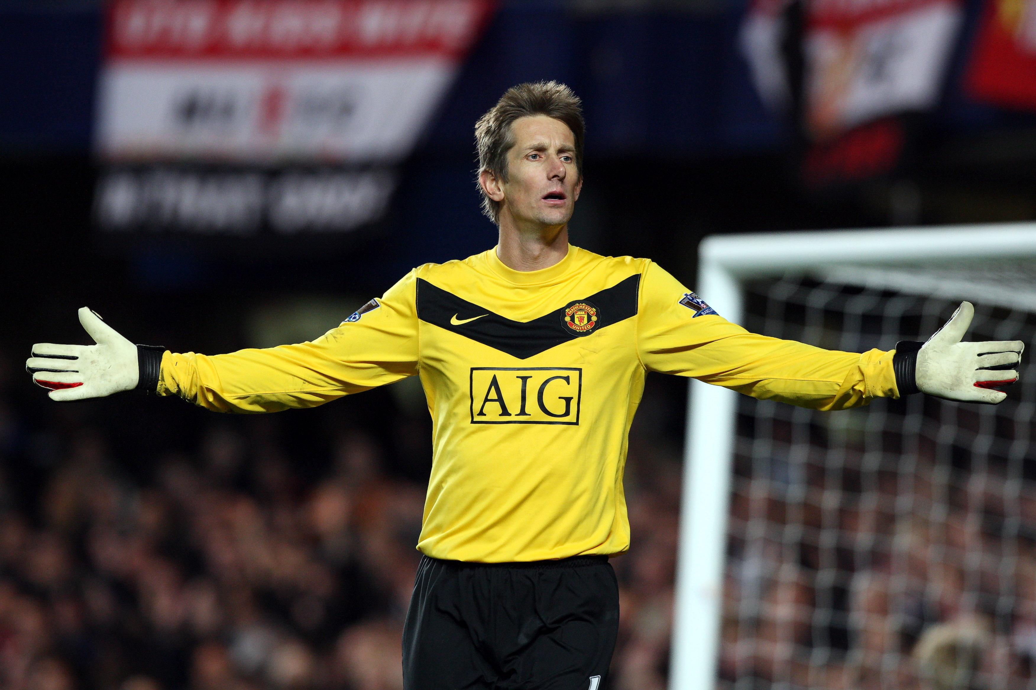 Van der Sar regresará del retiro para volver a jugar a sus ¡45 años!