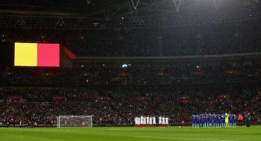 El futbol le rinde homenaje a las víctimas de los atentados en Bruselas