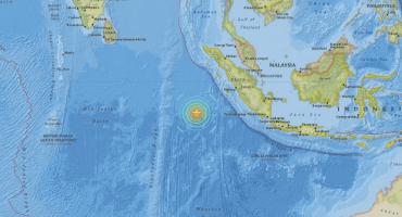Se registra sismo de 7.9 grados en Indonesia, hay alerta de Tsunami